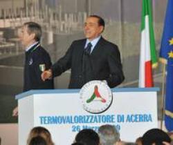 Berlusconi inaugura inceneritore di Acerra